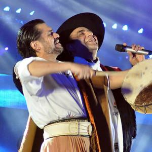 Luis Pereyra und Megastar El Chaqueno Palavecino in Cosquin