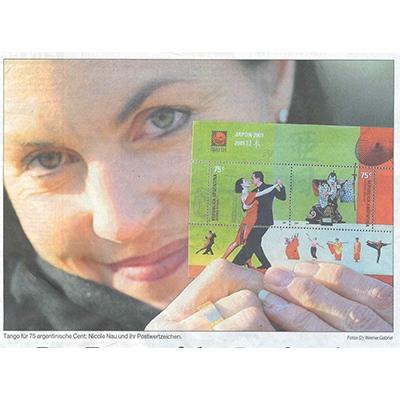 Nicole Nau y uno de sus sellos postales, Rheinische Post